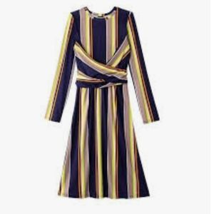 3/🚨$15 🆕️ 26w-28w Avon Wrap Star Midi dress